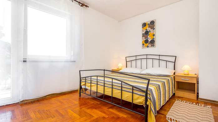 Large apartment on 2nd floor with private balcony and 2 bedrooms, 5