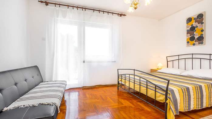 Large apartment on 2nd floor with private balcony and 2 bedrooms, 6