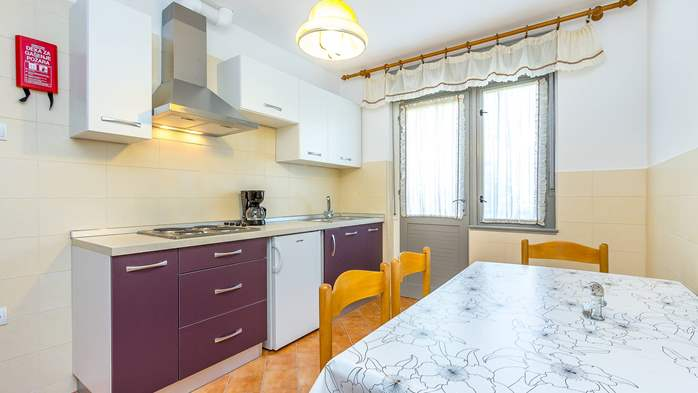 Large apartment on 2nd floor with private balcony and 2 bedrooms, 3