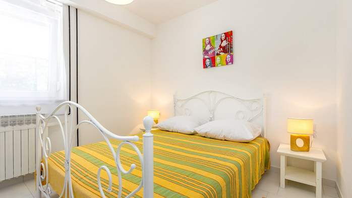 Nice apartment with delightful colors for 3 persons with sea view, 1
