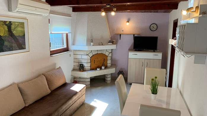 Holiday house in Pula with covered terrace and air conditioning, 6