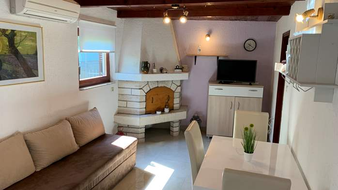 Holiday house in Pula with covered terrace and air conditioning, 8