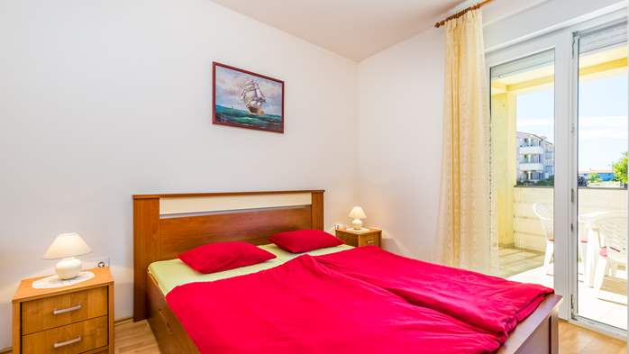 Nicely decorated apartment in Valbandon can host up to 5 persons, 10