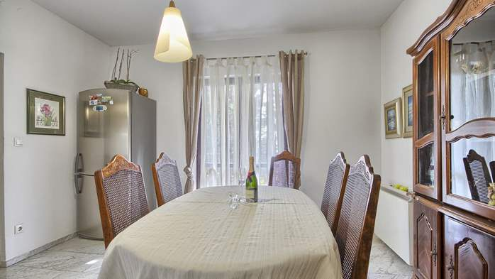 Spacious apartment on two floors with 3 bedrooms, WiFi, 6