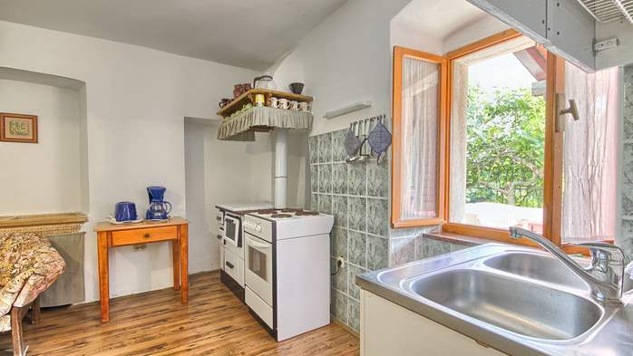 Rustic apartment for 4 persons on two floors with pool, 2