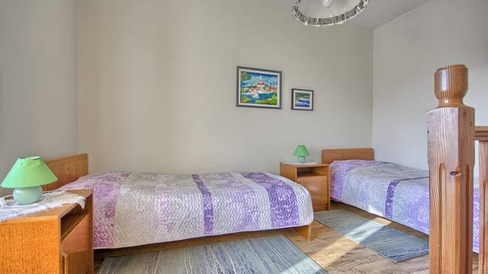 Rustic apartment for 4 persons on two floors with pool, 4