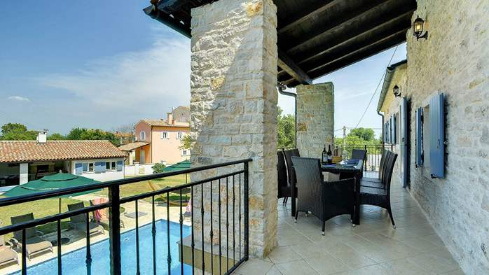 Two villas with two swimming pools and jacuzzi, WiFi, playground, 45
