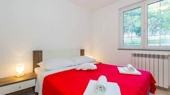 Large, comfortable apartment near the sea, in Pula, for 4 persons, 9