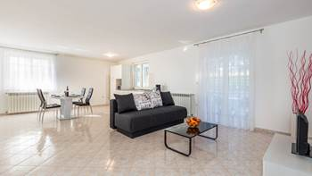 Large, comfortable apartment near the sea, in Pula, for 4 persons, 3