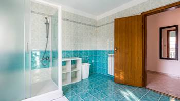 Bright, modernly furnished apartment for 4 persons near the sea, 15