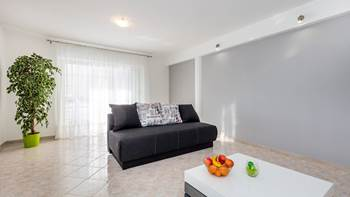Bright, modernly furnished apartment for 4 persons near the sea, 7
