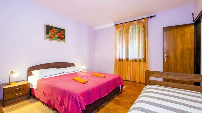 Air-conditioned apartment with private terrace, playground, WiFi, 11