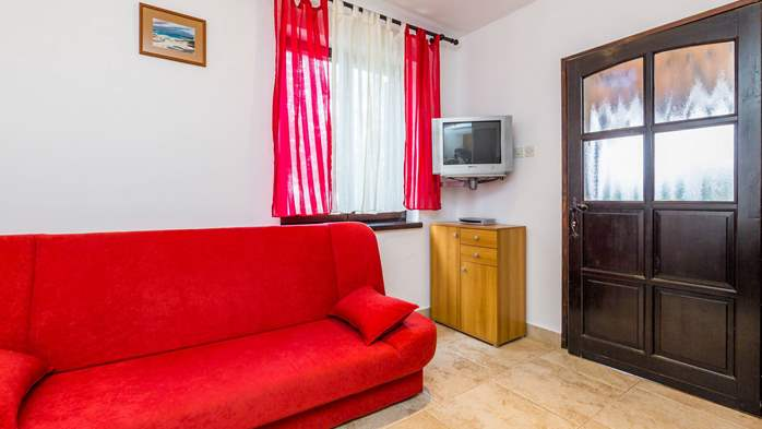 Air-conditioned apartment with private terrace, playground, WiFi, 10