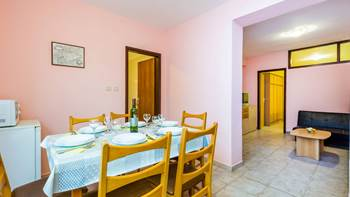 Furnished apartment with two bedrooms, outdoor pool and jacuzzi, 5