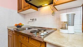 Furnished apartment with two bedrooms, outdoor pool and jacuzzi, 6