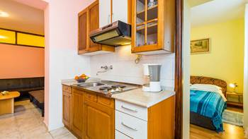 Furnished apartment with two bedrooms, outdoor pool and jacuzzi, 7