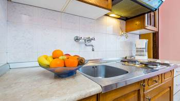 Furnished apartment with two bedrooms, outdoor pool and jacuzzi, 8
