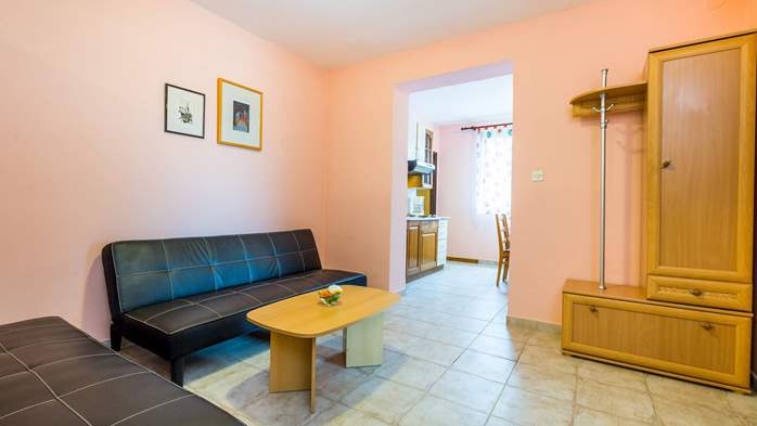 Furnished apartment with two bedrooms, outdoor pool and jacuzzi, 3