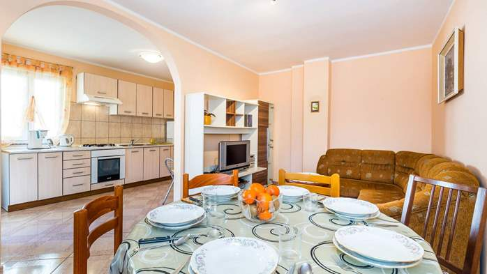 Spacious 3 bedroom apartment in Valbandon, with beautiful balcony, 2