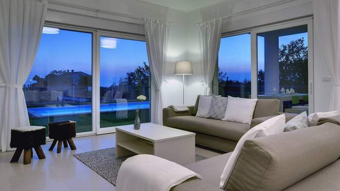 Villa with pool, terrace, for a max. of 8 people, near Novigrad, 9
