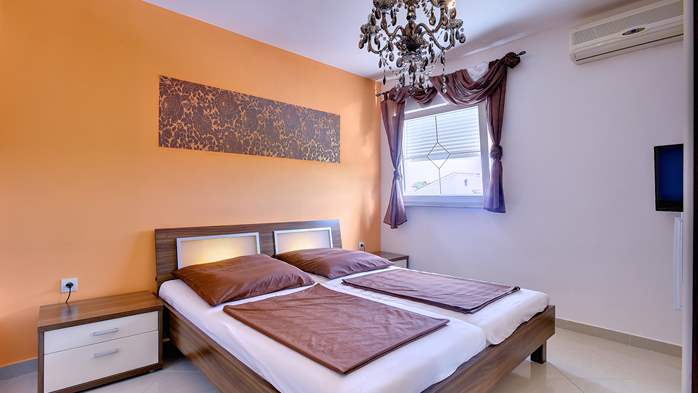 Unique 12 bedroom property with pool ideal for multiple families, 26