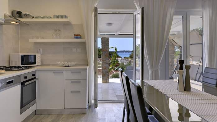 Irresistible house by the sea in Peroj with modern design, WiFi, 12