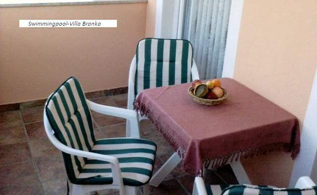 Ground floor apartment with two bedrooms and pool for 6 persons, 7