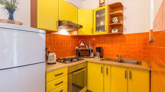 Comfortable accommodation for 12 people, house with pool, Ližnjan, 11