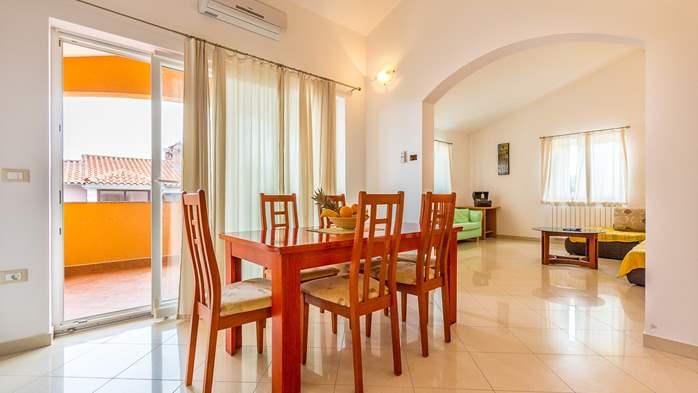 Comfortable accommodation for 12 people, house with pool, Ližnjan, 15