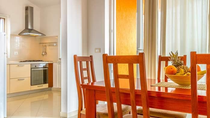 Comfortable accommodation for 12 people, house with pool, Ližnjan, 16