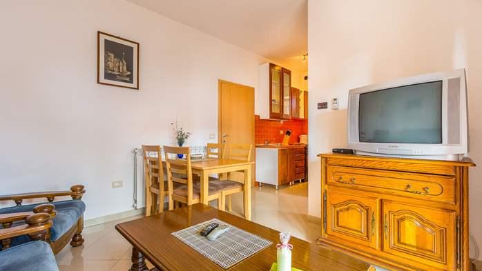 Comfortable accommodation for 12 people, house with pool, Ližnjan, 27