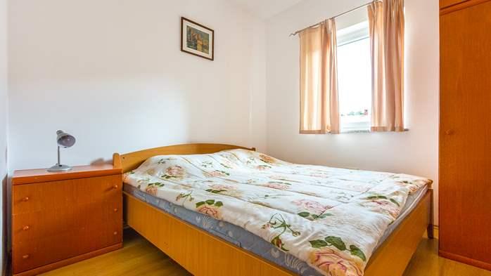 Comfortable accommodation for 12 people, house with pool, Ližnjan, 30