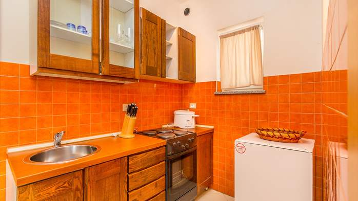 Comfortable accommodation for 12 people, house with pool, Ližnjan, 29