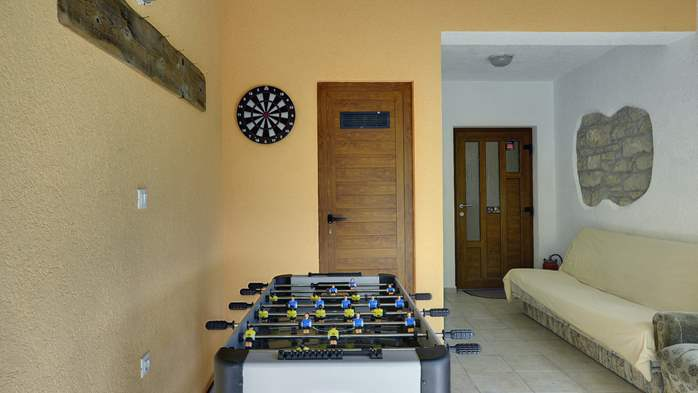 Villa for 10 persons in a quiet setting, pool with whirpool, WiFi, 32