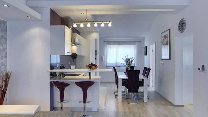 Stylish and spacious apartment 4+2 in Štinjan with AC, WIFI, 3