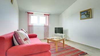 Comfortable and spacious apartment with balcony near the beach, 3