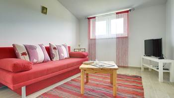 Comfortable and spacious apartment with balcony near the beach, 2
