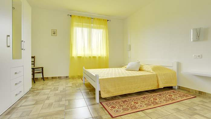 Spacious apartment for 4 persons with 2 bathrooms, 7