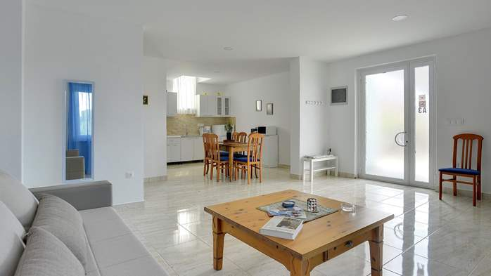 Spacious apartment for 4 persons with 2 bathrooms, 2