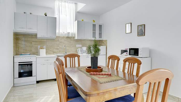 Spacious apartment for 4 persons with 2 bathrooms, 3