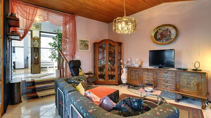 Unique and vintage detached house in Pula, with parking, BBQ,WiFi, 9