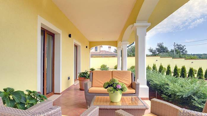 Villa near Vodnjan, with private pool, terrace, barbecue, WiFi, 46