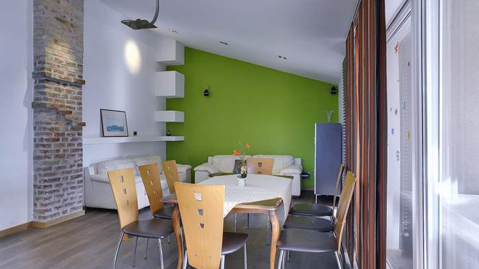 Spacious apartment in Pula close to the sea, with WiFi and SAT-TV, 4