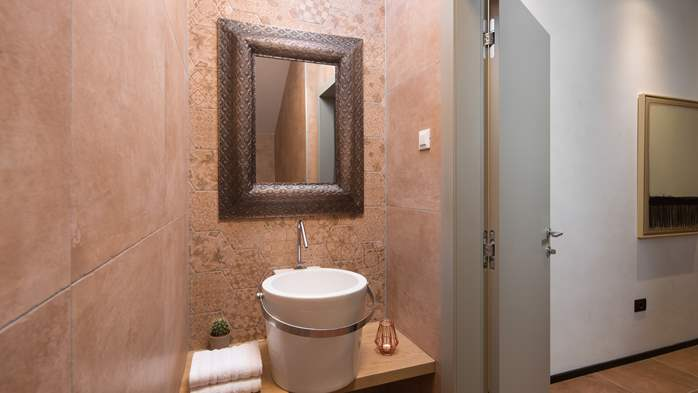 Stylish villa with heated pool near Pula, with wine cellar, 44
