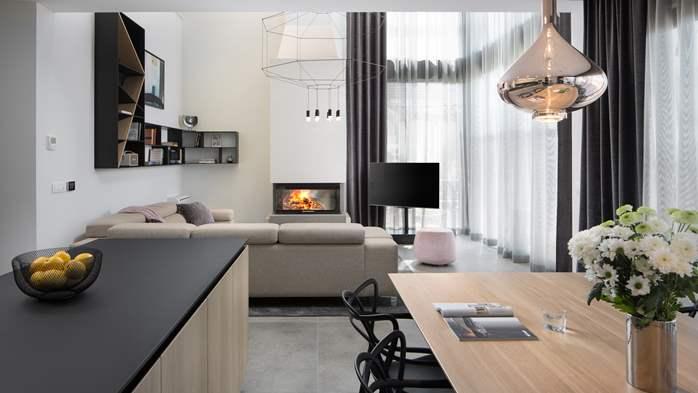Stylish villa with heated pool near Pula, with wine cellar, 34