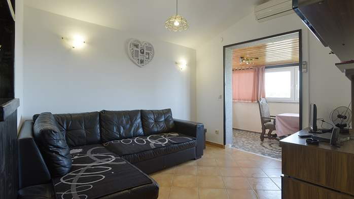 Air-conditioned apartment for 4 persons with two bedrooms, WiFi, 5