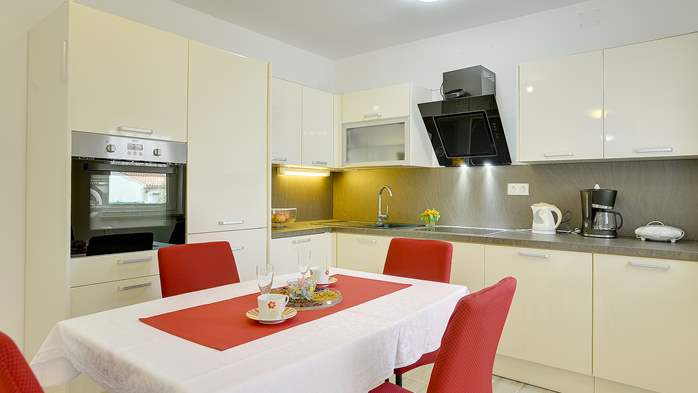 Nice air-conditioned apartment for 4 people, with private terrace, 3
