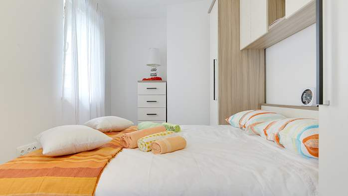 Nice air-conditioned apartment for 4 people, with private terrace, 6