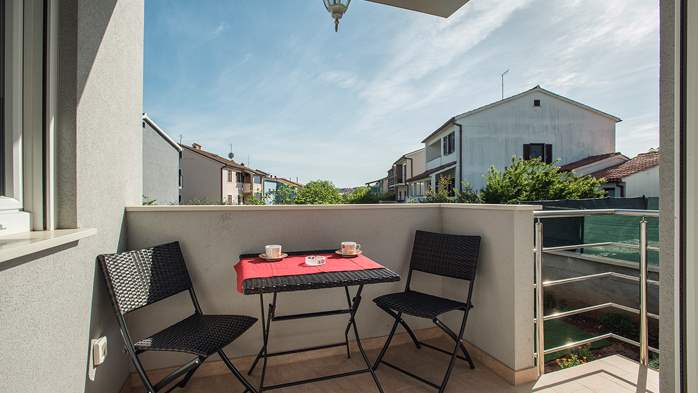 Nice air-conditioned apartment for 4 people, with private terrace, 7