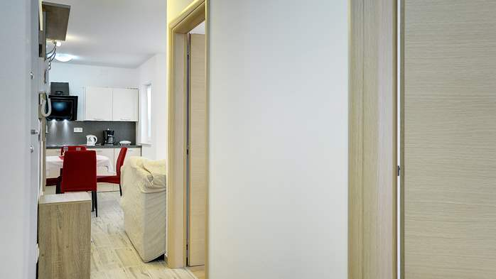 Nice air-conditioned apartment for 4 people, with private terrace, 14